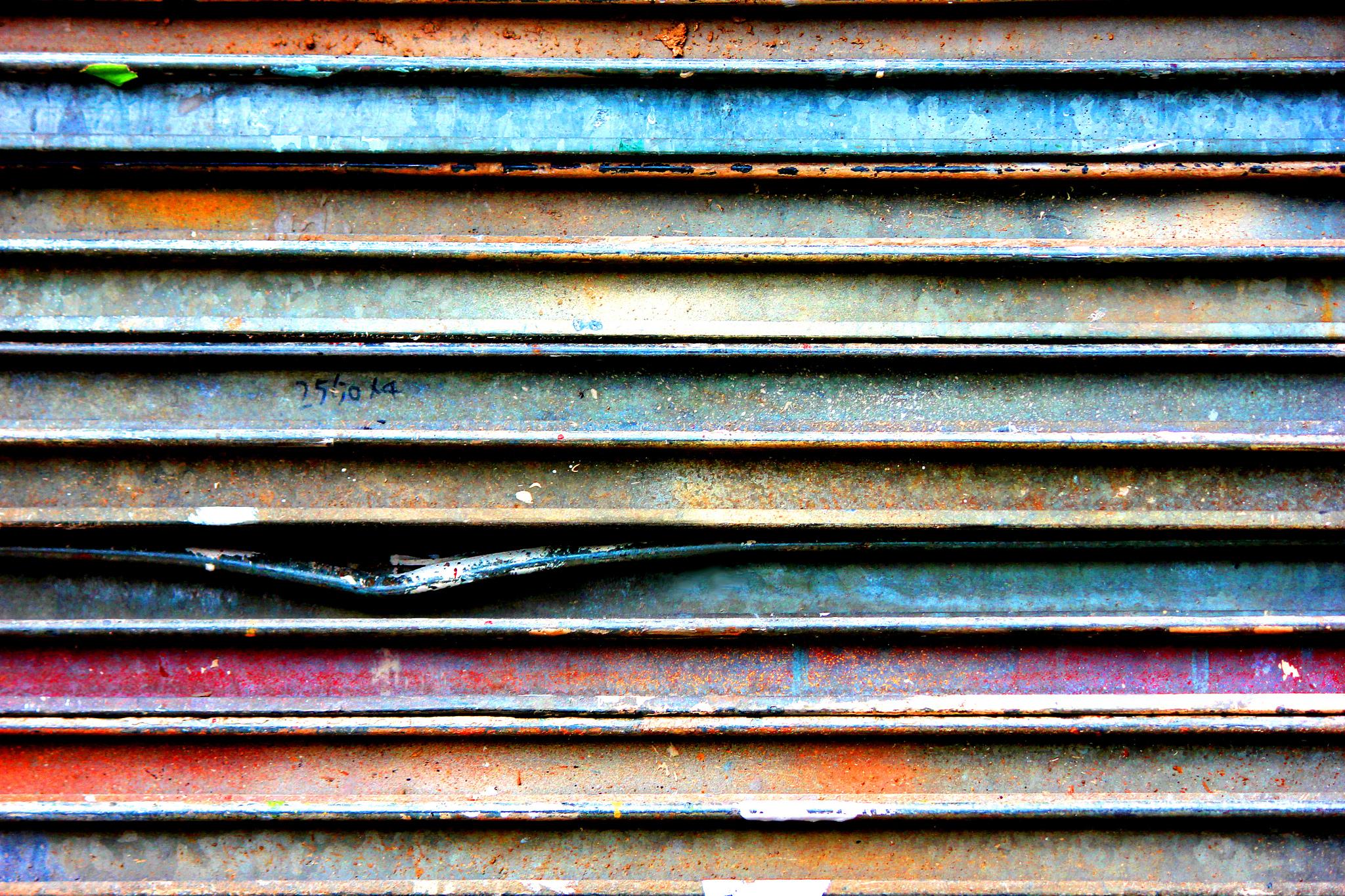 Abstract par tanakawho en cc sur Flickr : https://www.flickr.com/photos/28481088@N00/8685945832/